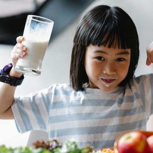 أهم الفيتامينات اللازمة لتعزيز صحة الأطفال